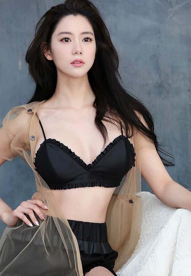 Clara Lee