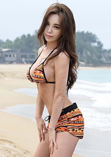 Kang Ye Bin Bikini